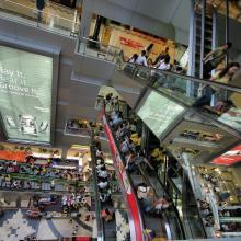 Interior del mercado MBK en Bangkok